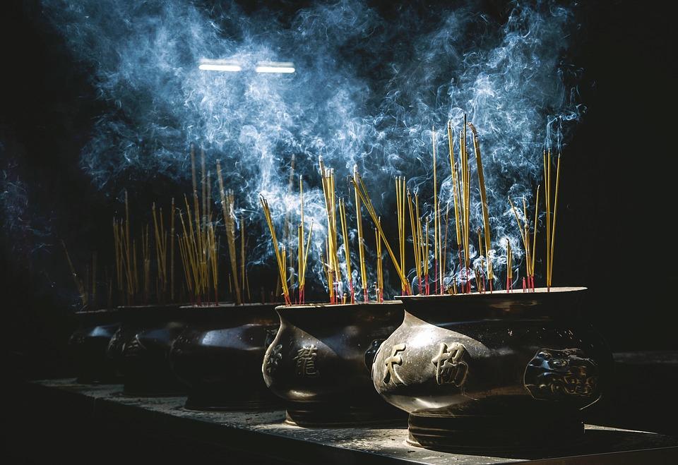 Weihrauch und Räucherwerk Räucherstäbchen kaufen