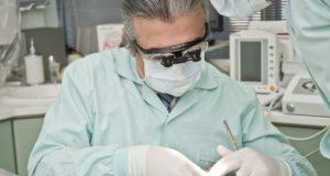 Wenn die Zähne nicht mehr wollen - die zunehmenden Problematiken für ältere Menschen