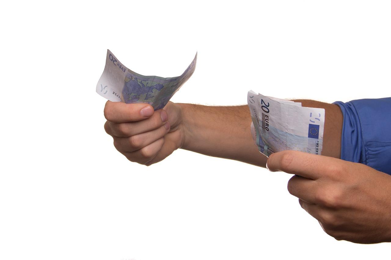 Privatkredit: so kann ich mir in Deutschland privat Geld leihen