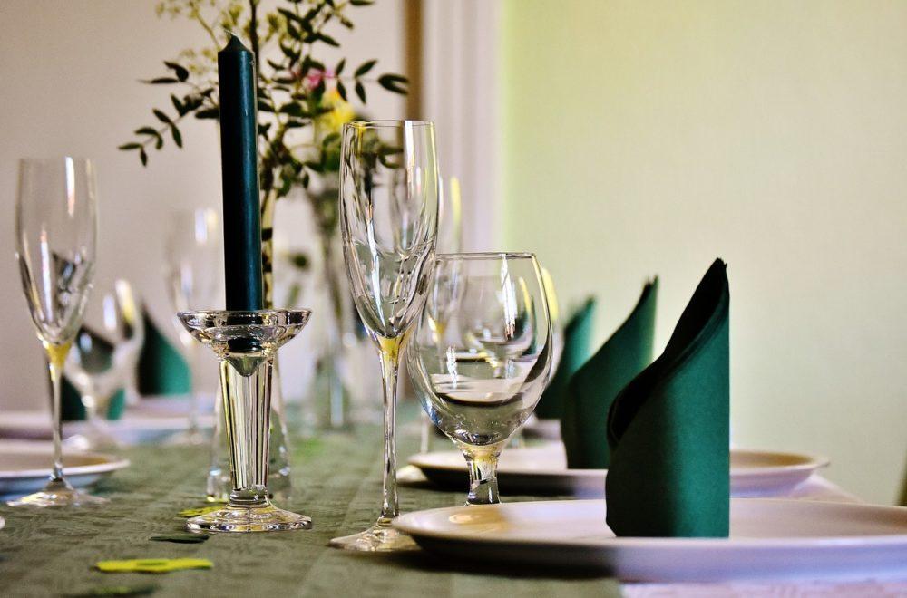 Unvergessliche Feste feiern – wie werde ich zum perfekten Gastgeber?