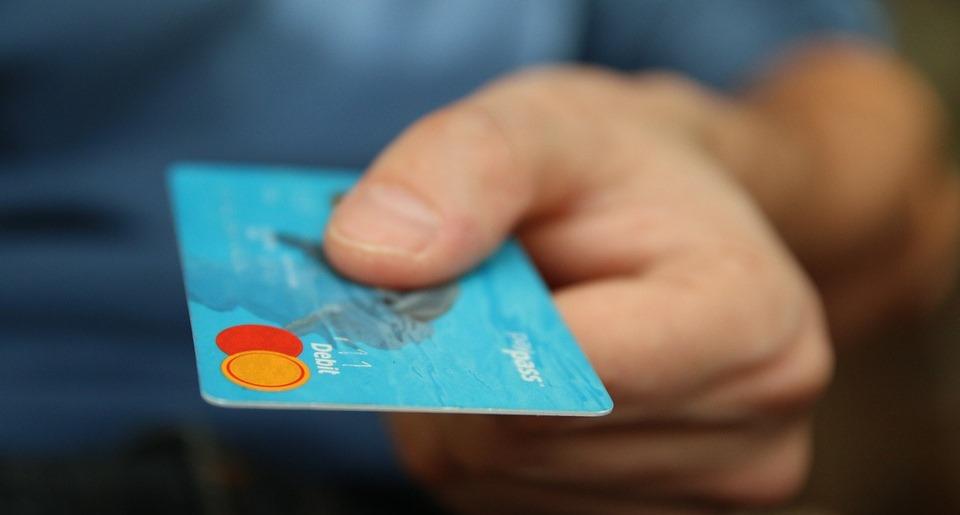 Kreditkarten sind das ideale Zahlungsmittel auf Reisen und für unterwegs