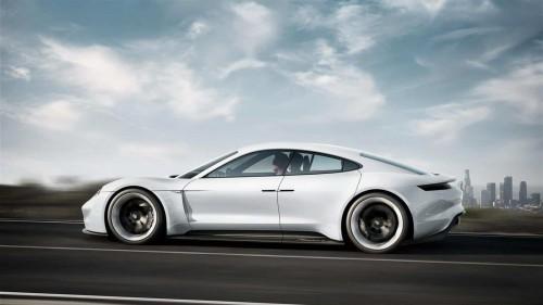 Porsche Mission E Seitenansicht