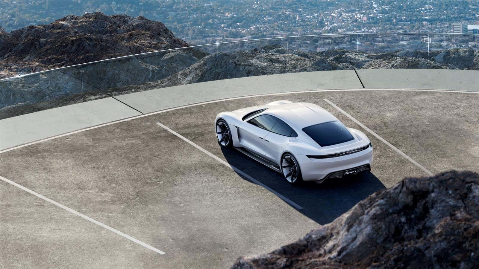 Porsche Mission E Heckansicht