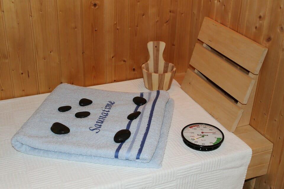 was ist f r die kosten der sauna zu beachten. Black Bedroom Furniture Sets. Home Design Ideas