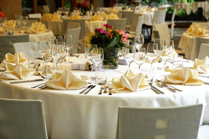 tablecloth   e