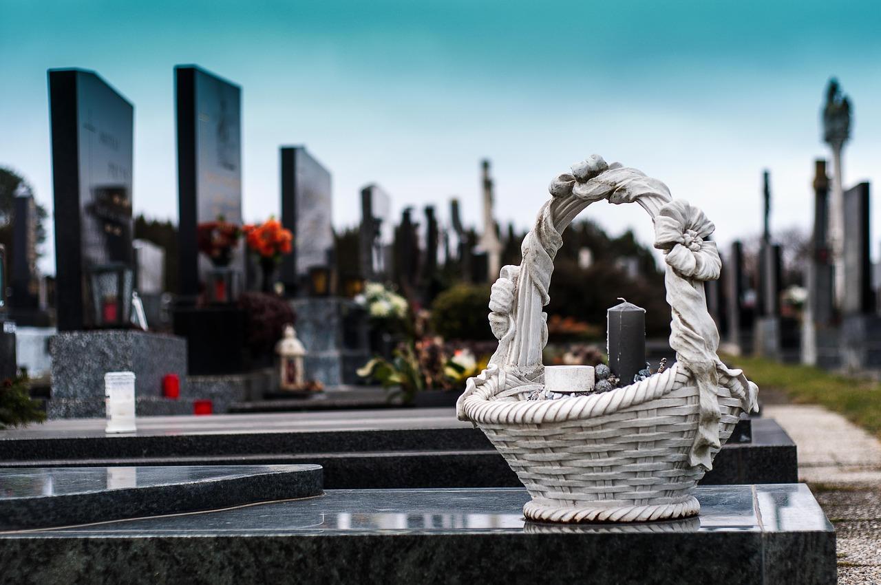 Bestattung in Deutschland: Wie teuer ist eine Beerdigung?